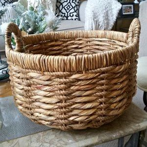 NEW! FARMHOUSE Large Round WOVEN Basket W/HANDLES
